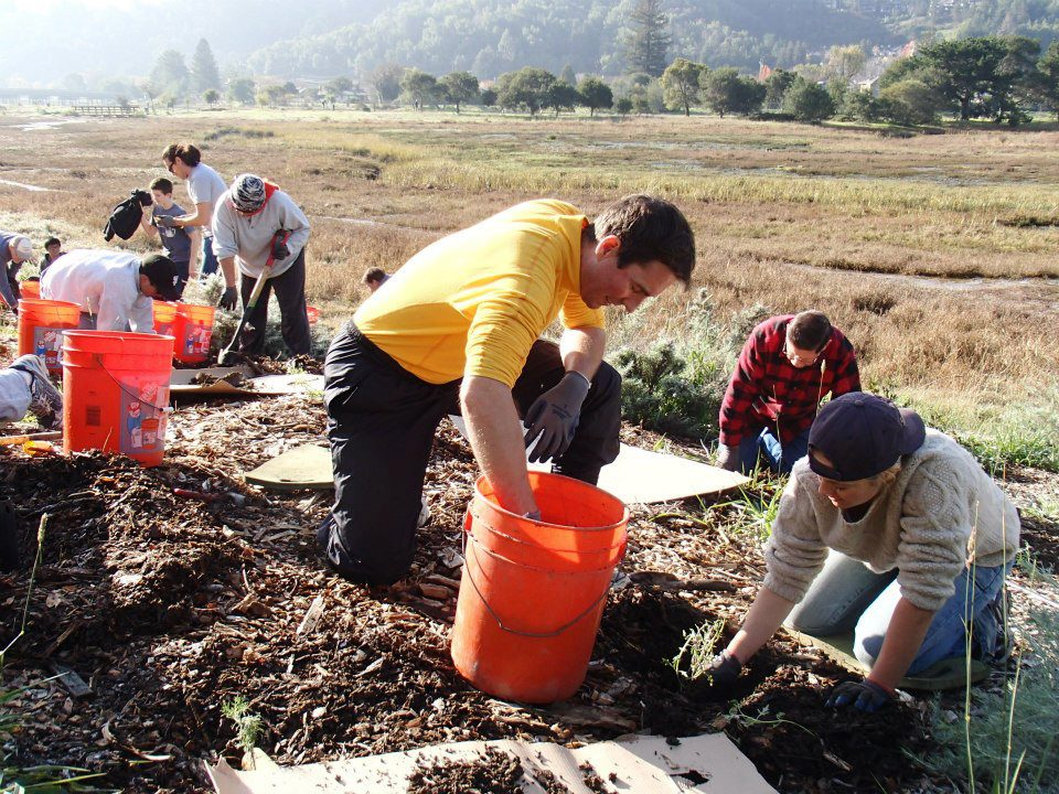 Save the Bay nonprofit work volunteers in Oakland, CA