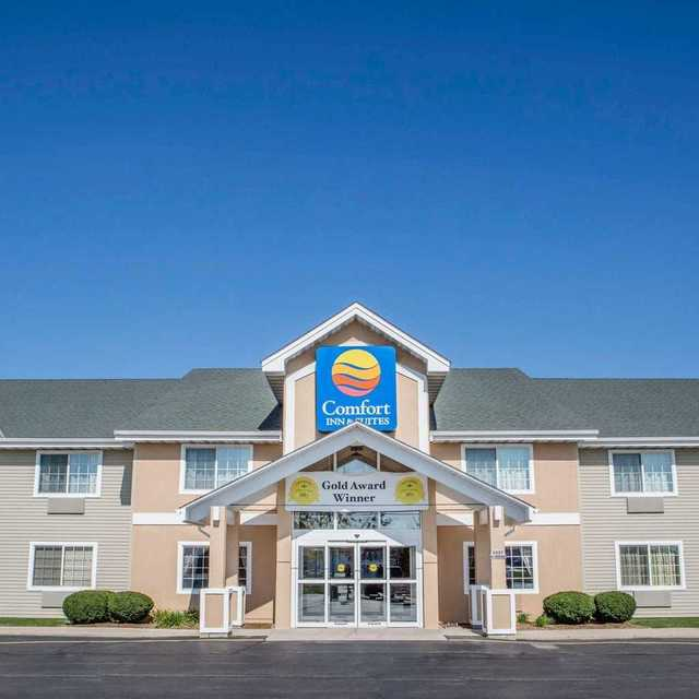 Comfort Inn Hotel - Jackson, Jackson, WI - Localwise business profile picture