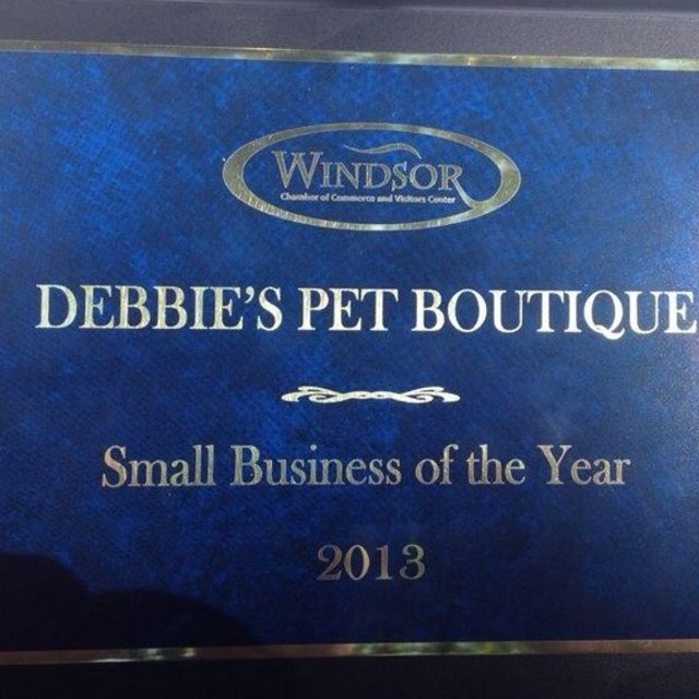 Debbie's Pet Boutique, Windsor, CA logo