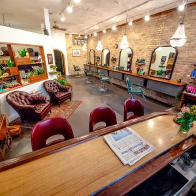 Logan Parlor, Chicago, IL - Localwise business profile picture