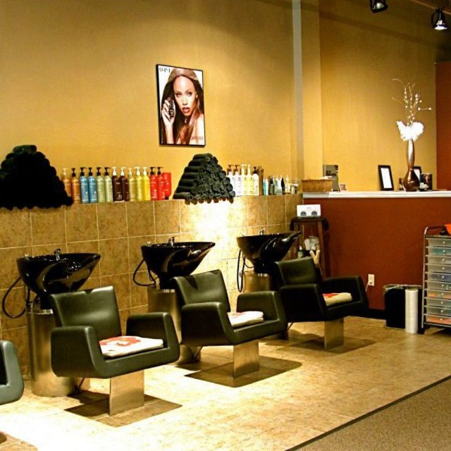 Jandee Salons, Lindenhurst, IL - Localwise business profile picture