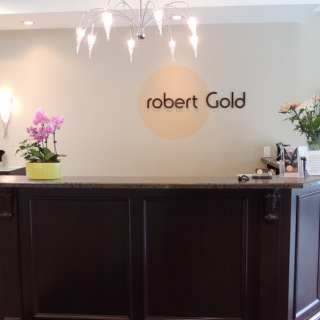 Robert Gold Salon & Spa, Evanston, IL logo