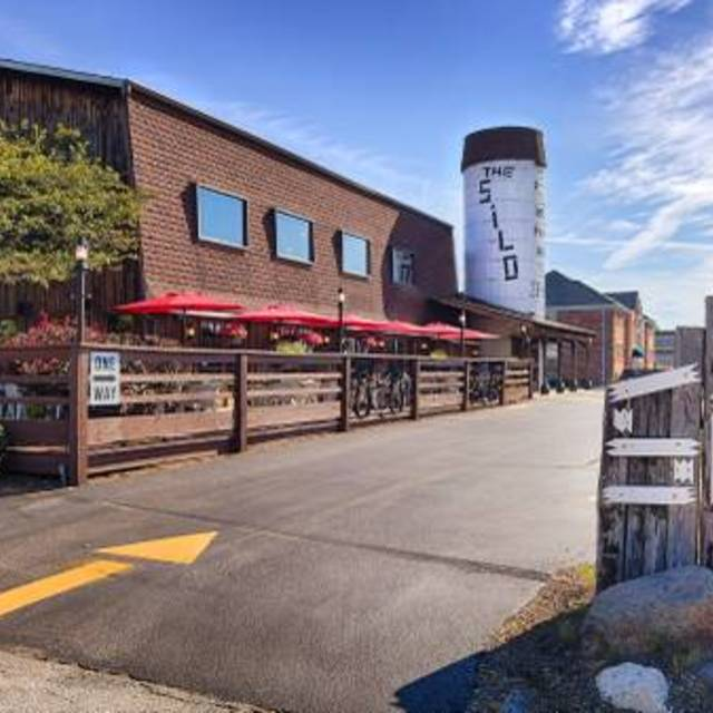 The Silo Restaurant, Lake Bluff, IL - Localwise business profile picture