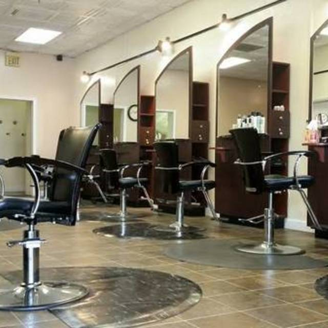 House of Hues Salon & Spa, Elk Grove, CA - Localwise business profile picture