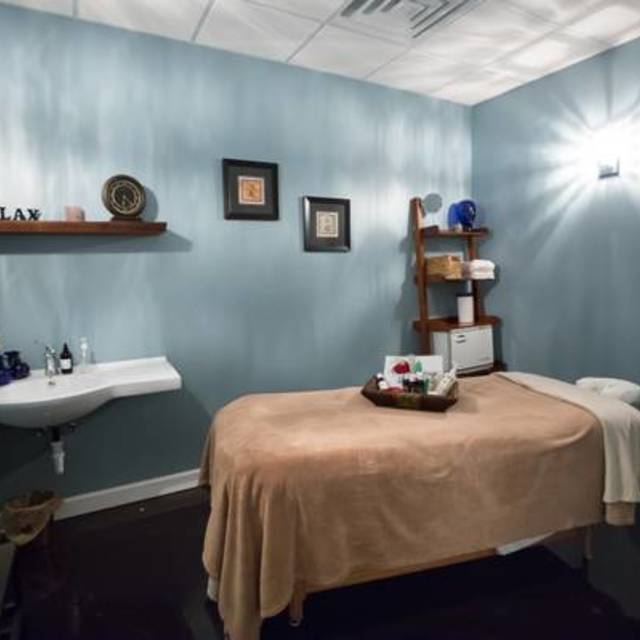 A Premier Massage & Day Spa, Aurora, IL - Localwise business profile picture