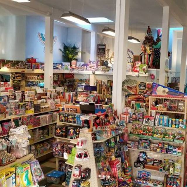 Mr. Mopps' Children's Books and Toys, Berkeley, CA - Localwise business profile picture