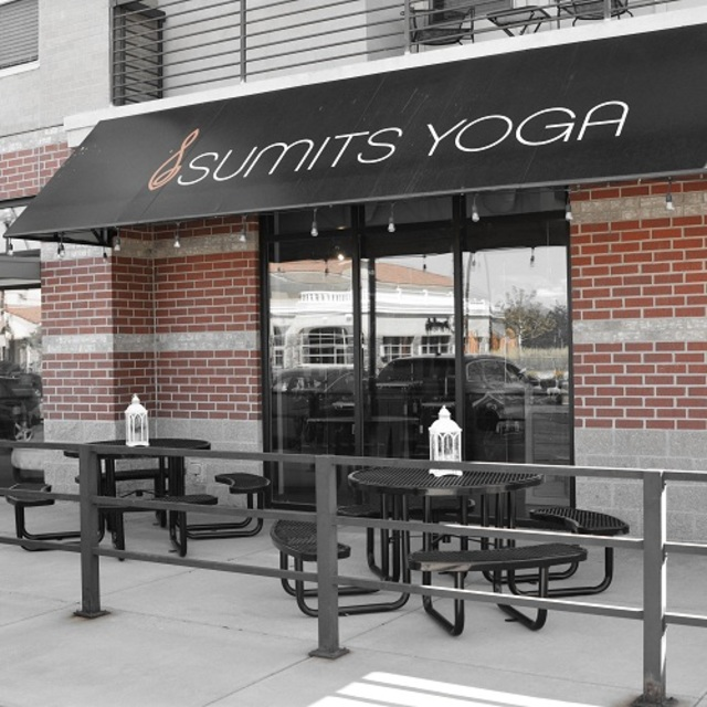 Sumits Yoga DTC/Inverness, Englewood, CO logo